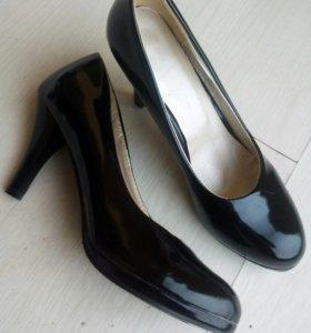 Туфли 41 размер новые