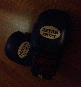 кожаные боксёрские перчатки Aryan sport