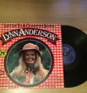 Lynn Anderson - Listen to a country song.