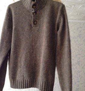 Абсолютно новый свитер
