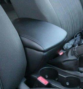 Подлокотник в авто