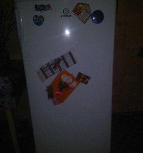 Продам холодильник, можно торг