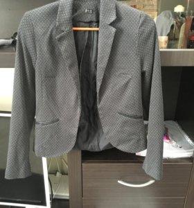 Пиджак в отличном состоянии