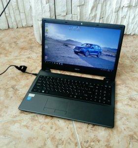 Почти новый ноутбук DEXP