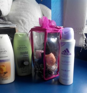 Пакетом косметика: новые шампуни, лаки и дэзик
