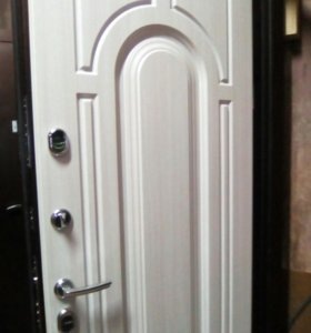 Входная тёплая дверь с терморазрывом