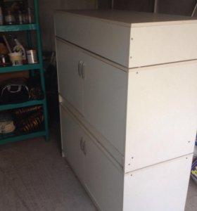 Шкаф-накопитель два+ подиумом.