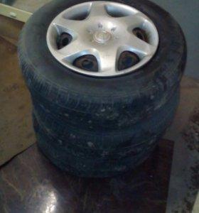 Шины Dunlop 175/70 R13 с диском
