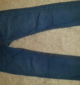 Мужские джинсы фирмы Zara