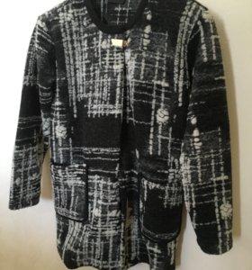 Легкое новое пальто gestuz S-M