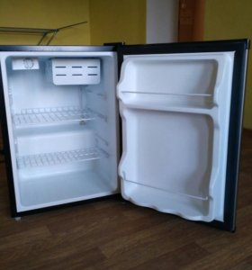 Холодильник (мини-бар)