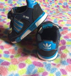 Кроссовки на мальчика adidas 22 размер