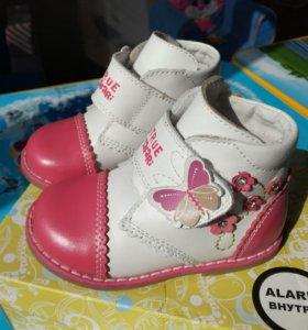 Ботинки для девочки 23р
