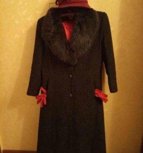 Пальто зимнее с меховым воротником L  XL 50-52