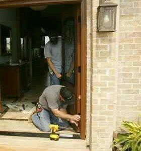 Установка и демонтаж дверей.