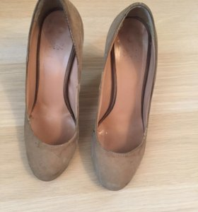 Бежевые туфли benetton