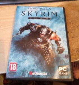 Продам диск с игрой SKYRIM