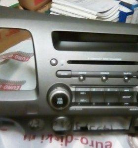 Штатная магнитола на Honda Civic на 6 дисков