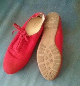 Женские туфли, босоножки.
