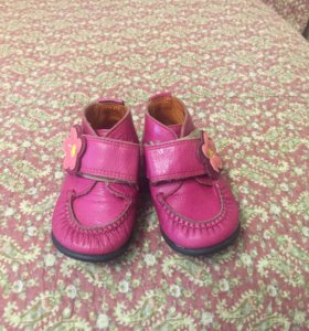 Детские ботинки