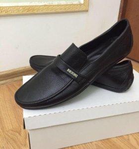 Черная кожа Brioni обуви с коробкой