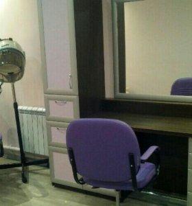 Стол парикмахера