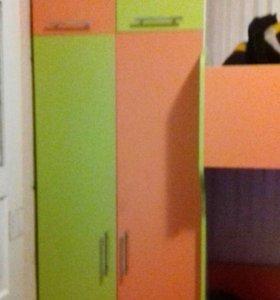 Двух ярусная кровать со шкафом