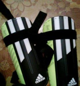 Бутцы Nike и сораконошки, щитки, перчатки