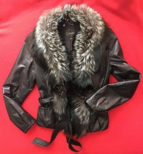 Кожаная куртка с лисьим воротником