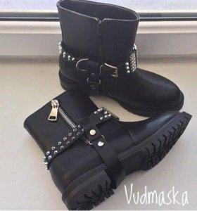 Ботинки весенние новые
