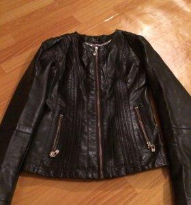 Куртка демисезонная(как новая)
