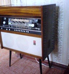 Ретро. Радиола ''Ригонда-102''