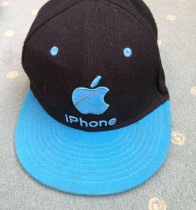 Продам 2 кепки за 200 рублей
