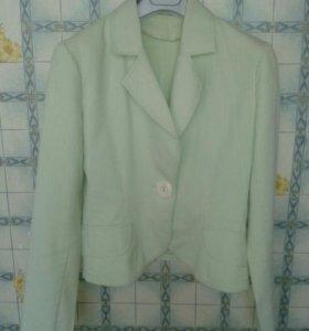 Пиджак лёгкий...42-44 размер