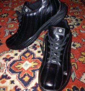 Новые мужские кожаные кроссовки