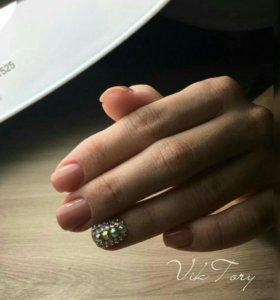Покрытие ногтей гель-лаком+ аппаратный маникюр