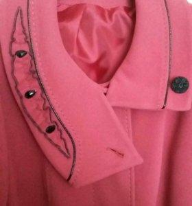 Пальто женское.54 размера