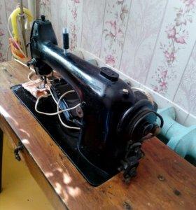 Швейная машинка с электроприаодом