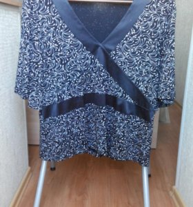 Черная блуза с белым узором