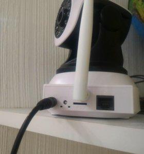 Поворотная 360гр. ip камера работает по wi fi