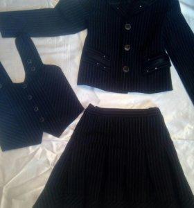 Детский костюм тройка на девочку 7- 9л, 1-2 класс.