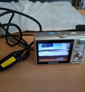 Фотоаппарат Samsung,кабель USB без зарядника.