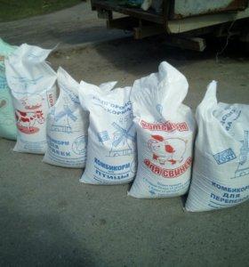 Зерно, комбикорма, травы, премексы для цыплят брой