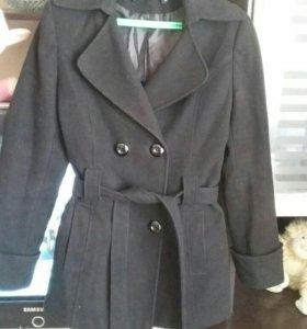 Пальто демисезонное 42 размер