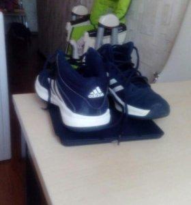 Детские ботинки и кроссовки adidas