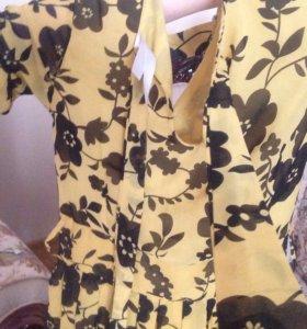 Платье желтое в чёрные цветочки продам не дорого