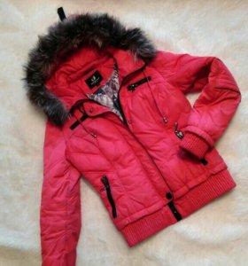 Продам демисезонную куртку,размер 42