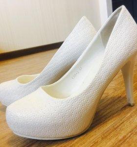 Туфли белые. Свадебные.