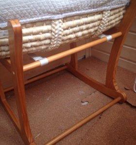 Люлька+деревянная подставка mothercare.