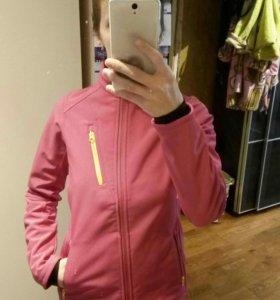 Новая спортивная куртка